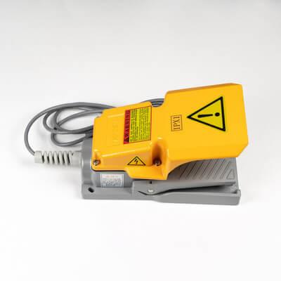Педаль управления активацией лазера